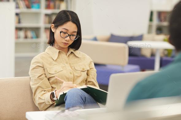 ارزیابی و رتبه بندی مجلات و ارزیابی و رتبه بندی مجلات چگونه است ؟